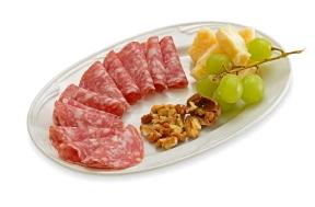 Salame Cremona con Grana Padano, noci e uva